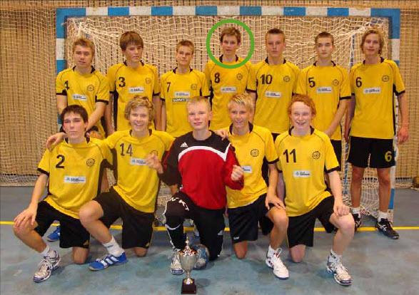 Sønnen Jens Rønneberg startet håndballkarrieren i Oppegård G94 men spilte senere i Kolbotn og var sterkt delaktig i opprykket til 1. divisjon i 2014. Foto: Kristin Rønneberg 2009
