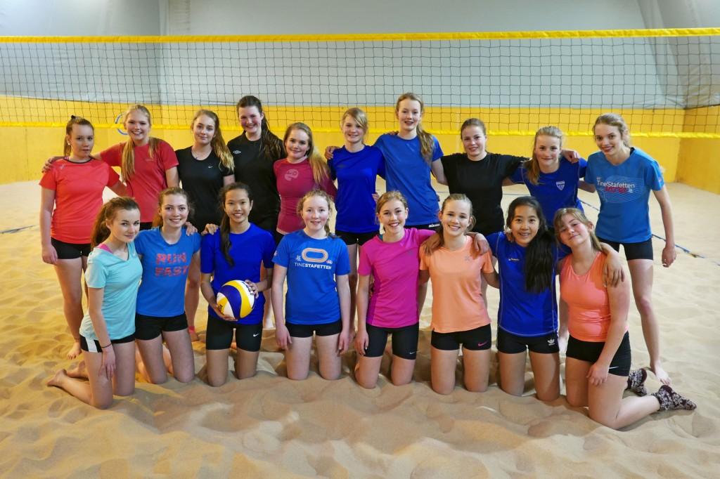 Mange møter på sandvolleyballtreninger i regi av Kolbotn Volleyball