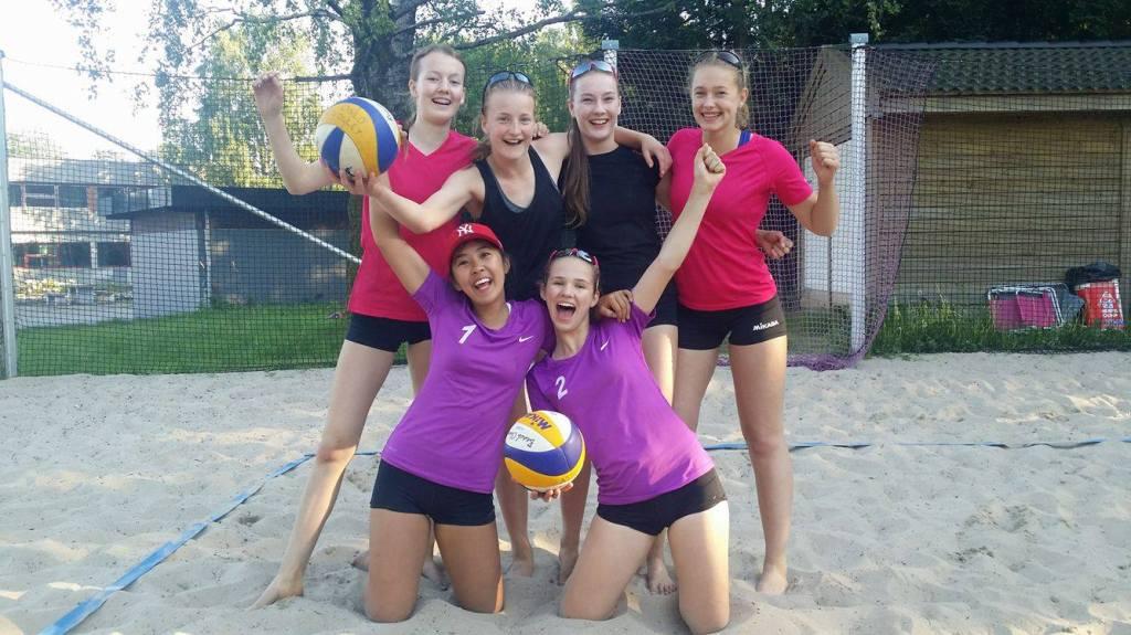 Kolbotn stilte med 6 jenter i Agder Beach Tour Jr: Jenny, Siri, Mille, Elin, Victoria og Stine