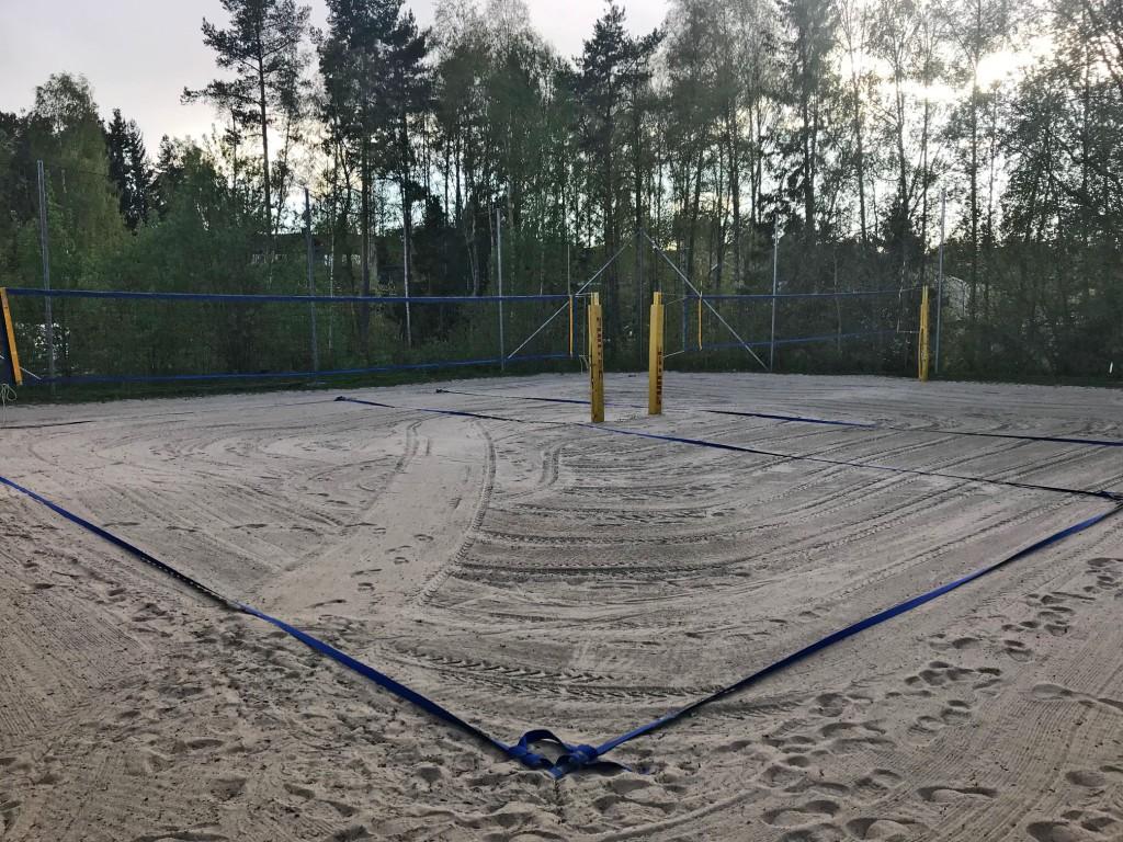 Sandbanene på Sofiemyr fikk utført sandrens 11. mai og alt er klart for årets sesong.